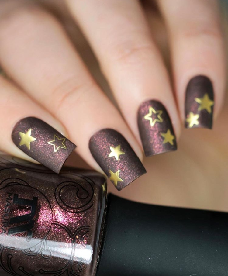 Dark red and gold Christmas nails