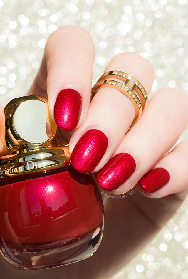 diorific triomphe nail polish swatch