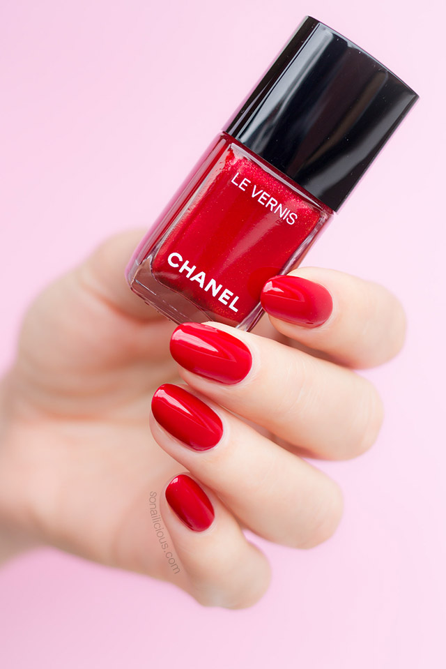 Chanel 918 flamboyance red nail polish
