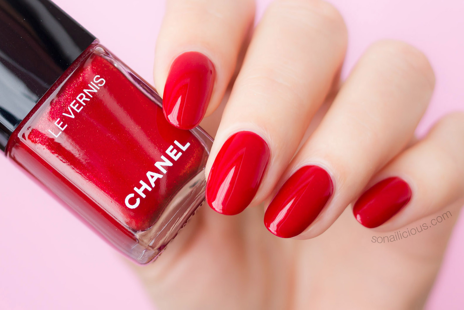 Chanel 918 flamboyance review red nail polish