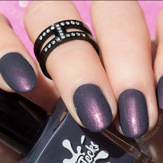 autumn nail colour dark grey nails with colorflecks dark fog