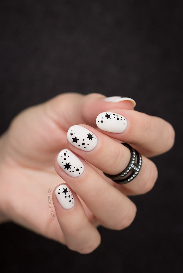black and white star nails