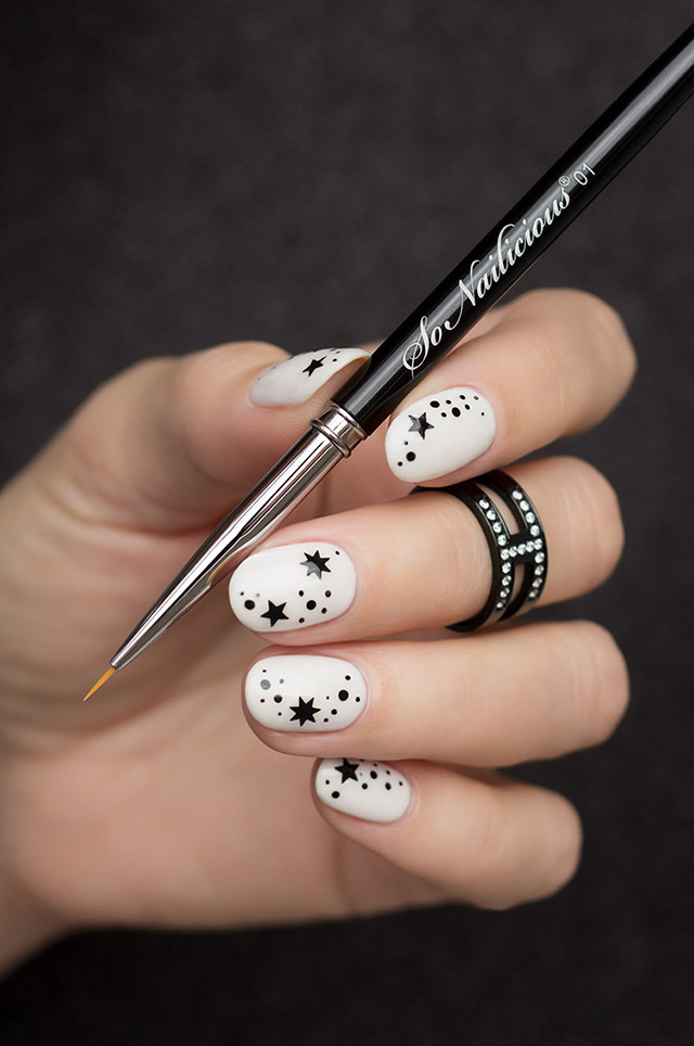 minimalist nail art, 01 warrior best nail art brush
