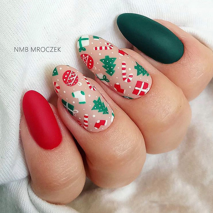 red and green Christmas nail art
