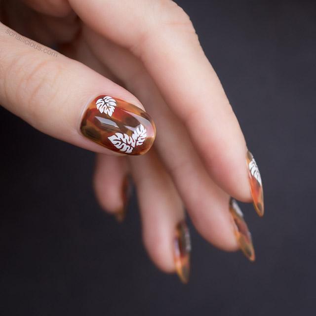 Tortoiseshell nail design